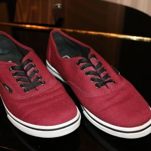 Vans Atwood Low Lace Up Sneaker